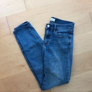 GAP Skinny Jeans Medium Wash